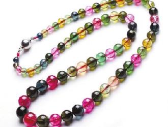 掌握关于碧玺的珠宝类知识 走出购买误区