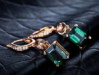 碧玺家族中财富与地位的象征 绿碧玺当仁不让