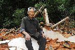 獨居老人房屋被拆 眼睜睜看著自己房子變廢墟