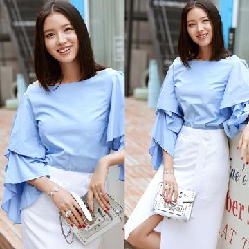 张梓琳穿衣搭配示范 多款造型尽展清新迷人气质