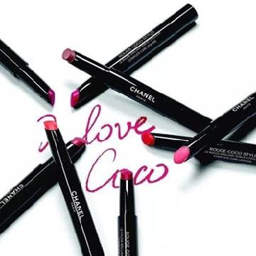 共12个号色 香奈儿推出全新系列唇膏笔