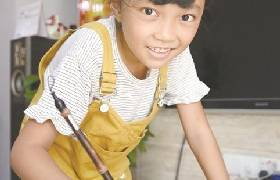 学习书法仅3年 东莞10岁女孩夺全国金奖