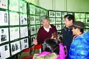 杨玉祥热衷红色收藏41年 妻子的支持让红色梦想变成现实