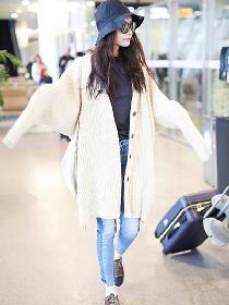 跟倪妮学服装流行趋势 想变女神范儿针织外套不能少
