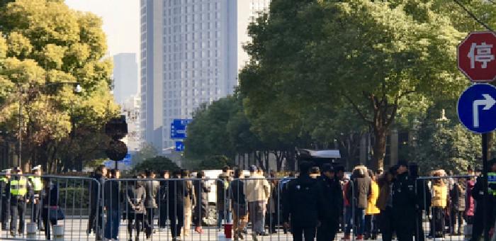 6.22杭州保姆纵火案开庭 仅半个小时就宣布另行择期审理