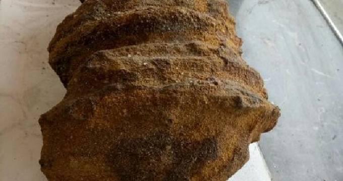 百米砂矿下挖出酷似宝塔的奇石 很快就被雨花石收藏者收走