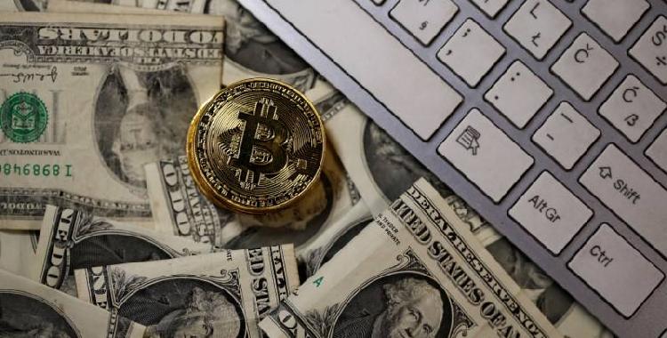 美元指数再创新低 比特币重返10000美元大关