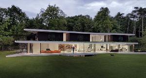 荷兰L形别墅:结合了年轻一族的愿望和需求设计