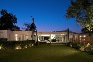 印度简约大气的平层墅:简洁整齐的几何形状低层的建筑设计