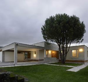 Fatima豪宅:简单的建筑式样带给人一种宁静的感觉