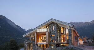 矿石小屋:群山峡谷环绕风光秀丽引人入胜