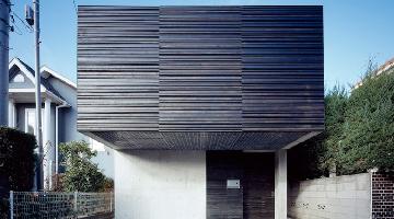 Neut豪宅:拥有一系列玻璃坡屋顶和优越的隔音效果