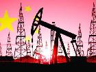 中国原油进口量逐年递增 首次超美成全球第一大国