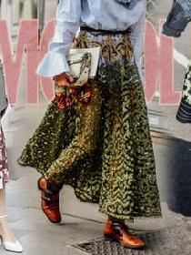 春季造型中的吸睛担当 印花半身裙让你尽情混搭