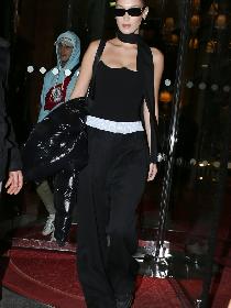 时尚标杆Bella Hadid近期街拍