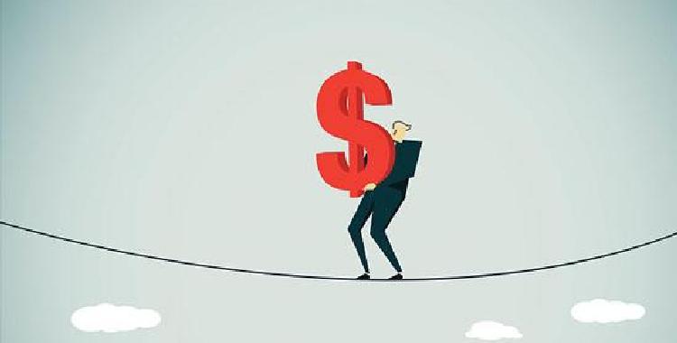 美债飙升美元大翻身 现货白银能否逢凶化吉?