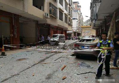 來賓一居民房液化氣罐爆炸 4人受傷門窗俱碎!