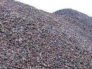 国内钢价小幅上涨 铁矿石市场震荡运行