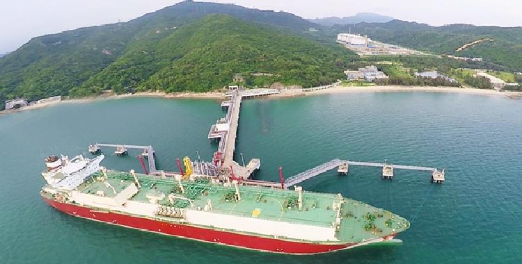中国海油?#33322;?#19968;步保障我国清洁能源供应 深圳LNG正式投产
