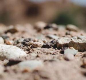 探寻地表下的秘密:这些产区的土壤很特别