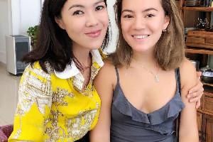 苏芒晒女儿合照 两人看起来更像姐妹花