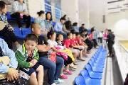 青岛福彩公益课堂带领留守儿童观摩短道速滑比赛