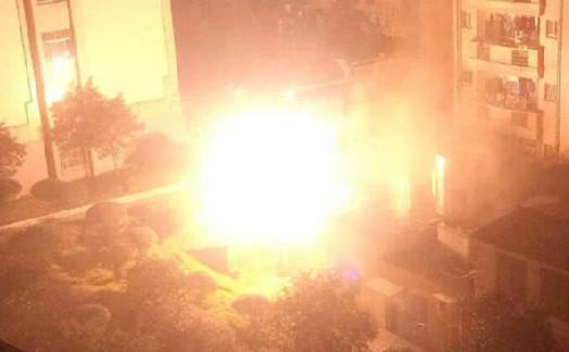 湖南学院配电房爆炸 院方已疏散周边寝室学生