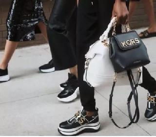 奢侈品品牌Jimmy Choo和Versace表现良好 将进一步拓展亚洲市场