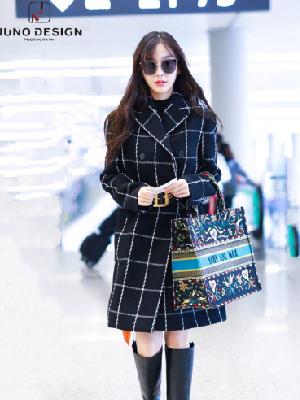Angelababy现身上海机场 一边为Dior实力代言一边隔空表白小海绵