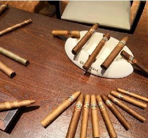 中式雪茄迎来发展新机会 持灰比赛精彩纷呈