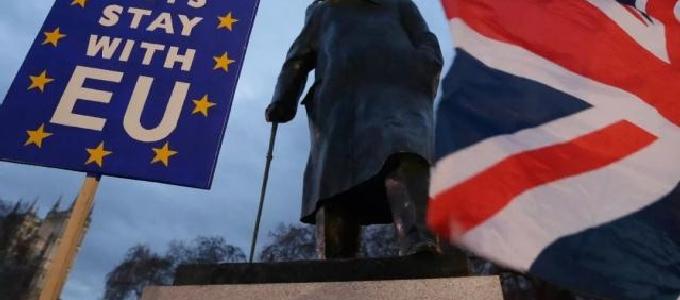 英国脱欧协议失败 将对政府不信任投票