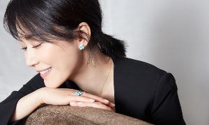 俞飞鸿佩戴Chaumet绣球花系列珠宝亮相活动