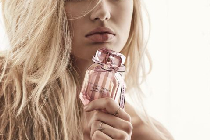 维多利亚的秘密春日新款香水 浪漫性感或叛逆张扬?