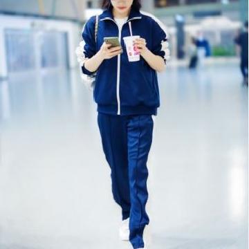 宋茜现身上海机场 一身运动套装休闲十足