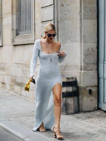 520做自己的女神 心机露腿就靠这条开衩裙!
