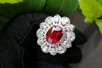 流行色跟珠宝的碰撞有多璀璨?来跟我一起看看吧