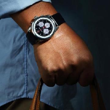 智能表今年流行什么呢? 看看这几款适合商务旅人的腕表
