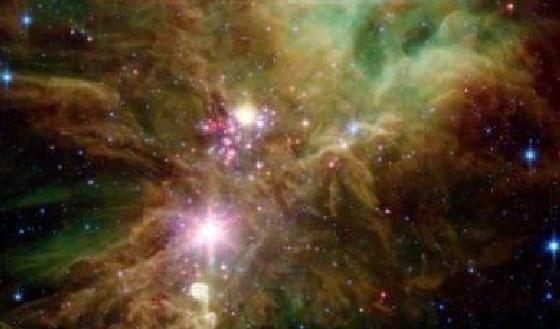 NASA发现雪花群 物体看来像火焰从旷野中掠过