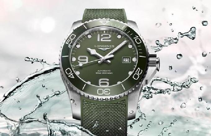 Longines 继续进行其色彩探索 带来了品牌鲜见的绿色造型