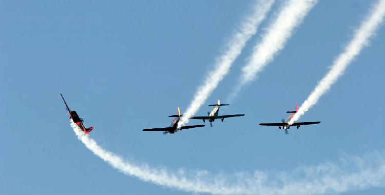 单座超轻型飞机AD100仅售20万