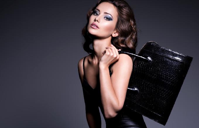 Chanel 结束2021春夏大秀 新品mini小包成亮点