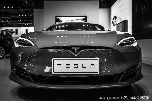 马斯克:特斯拉Model Y今年的产量将有限 明年将进行大规模生产