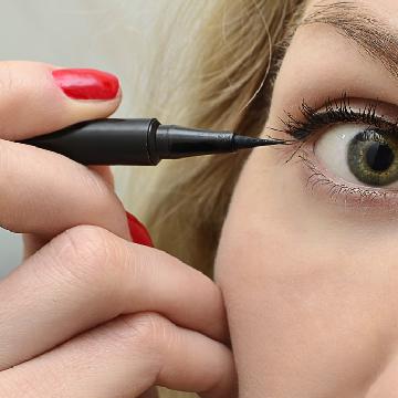 Zara 将与化妆师合作推出彩妆
