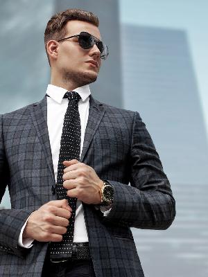 在职场中的精英男性该如何穿衣 一招搞定