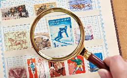 党务工作者参观庆祝建党100周年邮票展