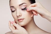 阿玛尼美妆于中国率先推出首款线上脸庞设计师美妆服务