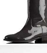 巴宝莉Burberry经典圆形鞋头皮革马靴