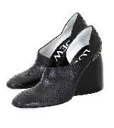 Loewe罗意威黑色蛇皮质感坡跟鞋