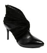 DKNY黑色尖头高跟短靴