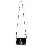 Givenchy环扣饰黑色漆皮单肩包